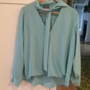 NWT VINCE CAMUTO blouse